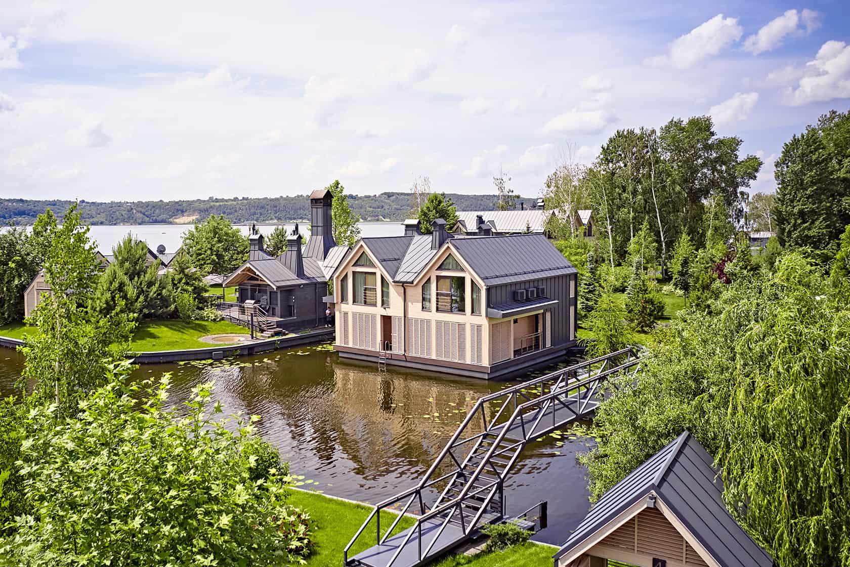 Houseboat with sauna
